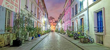 Rue crémieux à Paris